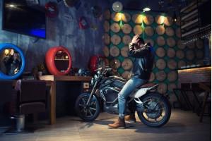 Обзор электромотоцикла Super Soco TC Cafe